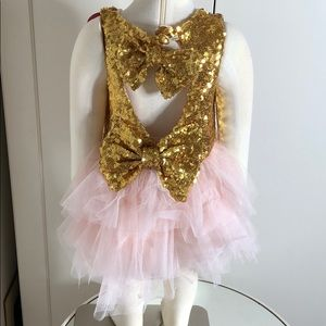 Other - 🐰 Easter 🐣 Girls Gold Sequin pink bow dress